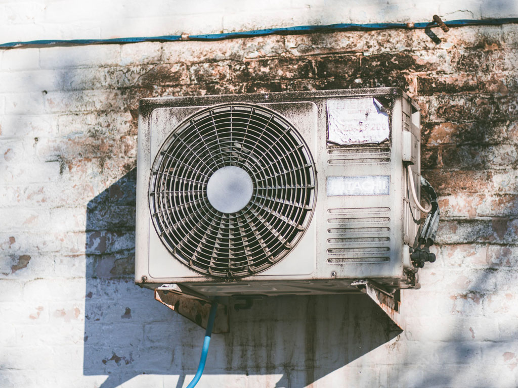 5 Tips to Hire the Right Air Conditioning Repair Services