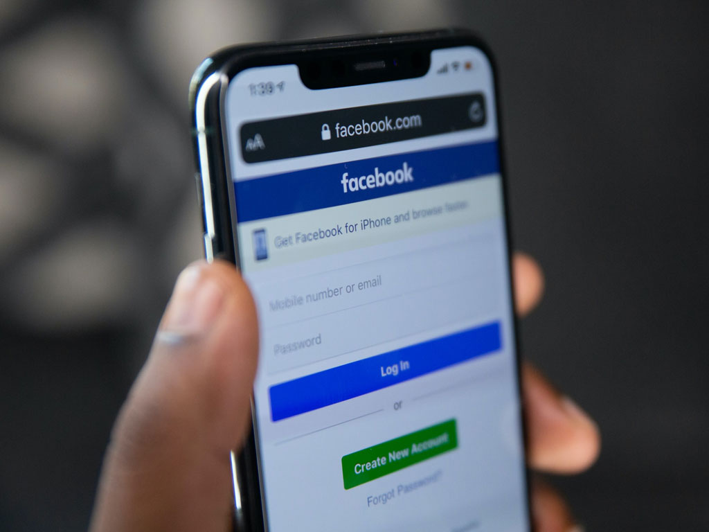 Fix Facebook Videos Not Playing on iPhone and How to Download It